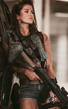 Mädchen In Uniform, Tumbrl Girls, Shooting Guns, Female Fighter, Post Apocalypse, Female Soldier, Military Girl, Warrior Girl, Military Women