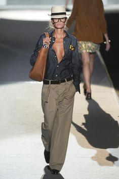 Dsquared² at Milan Fashion Week Spring 2011 – Women's Fashion Mode Outfits, Fall Outfits, Summer Outfits, Casual Outfits, Fashion Outfits, Fashion Trends, Milan Fashion, Love Fashion, Autumn Fashion
