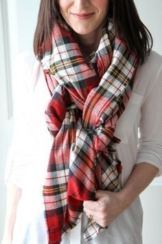 DIY No-Sew Blanket Scarf - 30 DIY Christmas Gifts Better Than Store-Bought Presents - Photos