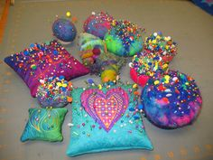 gorgeous pincushions!