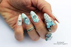 Handmaded nail charms: bow, detachable Me to You dangle,3d nailart, 4d nail art. All done in acrylic, more about how I done it - on the blog Svi ukrasi uključujući i mašnicu i privezak su unikatni i urađeni su od akrila više o ovom nail art dizajnu možete saznati na mom blogu http://volispolish.blogspot.rs/2016/04/3d-i-4d-nail-art-tatty-teddy-me-to-you.html