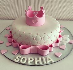 Torta Baby Shower, Shower Cakes, Baby Girl Christening Cake, Baby Girl Cakes, 1st Birthday Cake For Girls, Baby Birthday Cakes, Decoration Buffet, Cake Design For Men, Queen Cakes