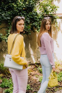 autumn | autumn outfit | spring outfit | summer outfit | autumn fashion | womensoutfit | casual outfit | women autumn outfit | pastel colours | pastel sweater | blue trousers | pink trousers | pink sweater | yellow sweater | crop top | white crop top | womens shoes | fashion inspo | outfit inspo #ootd #factcooloutfit