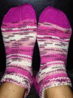 : Ankelsokker i Opal m/oppskrift Opal, Socks, Fashion, Moda, La Mode, Fasion, Fashion Models, Ankle Socks, Trendy Fashion