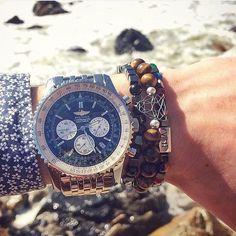 Amazing combo by @jgeraldes ✨ #vint #vintluxury #vintfanpic #fanpic #top #breitling #watch #bracelet #fashion #style #fashionformen #men #menstyle #mensfashion #gentleman #gentlemanstyle #jewelry #amazing #instalike #instafollow #photooftheday #luxury #luxurylifestyle  #lifestyle #luxo #luxe