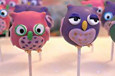 owl cake pops Owl Desserts, Owl Cake Pops, Cake Pop Decorating, Owl Parties, Pie Pops, Cookie Pops, Marshmallow Pops, Snack Bar, Cute Cakes