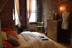 Cozy bright room exposed brick - Get $25 credit with Airbnb if you sign up with this link http://www.airbnb.com/c/groberts22