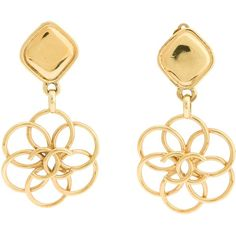 CHANEL VINTAGE 'Camelia' earrings (€570) ❤ liked on Polyvore featuring jewelry, earrings, chanel, accessories, brinco, gold tone earrings, vintage gold tone jewelry, chanel jewelry and circle earrings