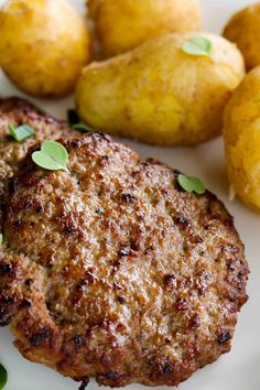 Koti, Steaks, Food And Drink, Cooking Recipes, Drinks, Beef Steaks, Drinking, Beverages, Chef Recipes