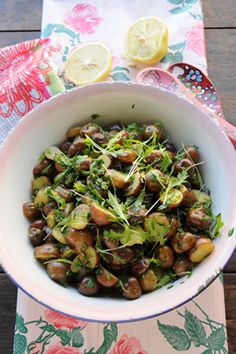 Ensalada de papines y limón Sprouts, Vegetables, Drinks, Cooking, Instagram, Food, Vestidos, Sweet And Saltines, Salads