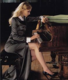 Piano practice can be fun too! Most people don't really want to'learn' to play the piano or 'practice' the piano, they just want to 'play' piano. 'Play' sounds like. Piano Y Violin, Piano Girl, Lily Donaldson, Playing Piano, Women Legs, British Style, British Fashion, Just The Way, Sexy Legs