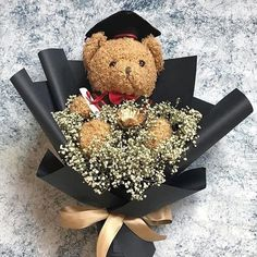 graduation gifts graduation flowers We still have unique gifts for graduation Graduation bouquet Graduation Flowers Bouquet, Flower Bouquet Diy, Bouquet Wrap, Gift Bouquet, Graduation Diy, Graduation Celebration, Graduation Party Centerpieces, Cute Birthday Gift, Unique Gifts