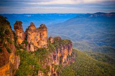 The Three Sisters, Blue Mountains, Australia Beautiful Places In The World, Oh The Places You'll Go, Places To Travel, Blue Mountains Australia, Sydney Photography, Travel Log, Vacation Trips, Vacations, Three Sisters