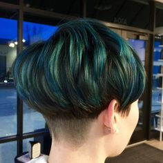 Layered+Bowl+Cut+With+Blue+And+Teal+Highlights