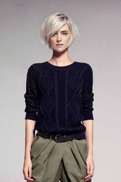 15 cute bob hairstyles for fine hair best short and long hairstyle Do you know the interesting news that bob hairstyles for fine hair always require something sweet as a hairstyle option from you? Bob Hairstyles For Fine Hair, Medium Bob Hairstyles, Haircuts With Bangs, Bob Haircuts, French Hairstyles, Korean Hairstyles, Spring Hairstyles, School Hairstyles, Boho Hairstyles