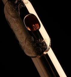 Really really really want an engraved head gold flute <3