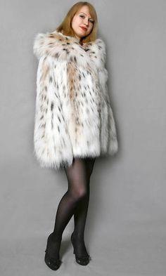 Fur Clothing, Woman Clothing, Fur Fashion, Fashion Tips, Fur Jacket, Mantel, Sexy Women, Fur Coats, Clothes For Women