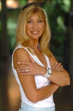 Maggie MacNeal (Sjoukje in 't Spijker-Smit) (May Dutch singer, o. known from the Eurovision Song Contest of representing the Netherlands with the song 'Amsterdam'. Pop Music, Rock Bands, Pretty Woman, Netherlands, Claire, Famous People, Celebs, Actresses, Artists