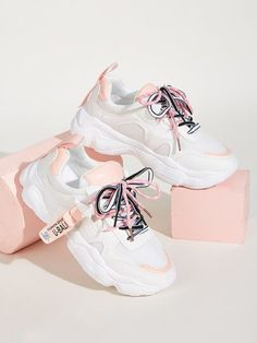 To find out about the Lace-up Front Chunky Sole Sneakers at SHEIN, part of our latest Sneakers ready to shop online today! Sneakers Mode, Sneakers Fashion, Fashion Shoes, Women's Sneakers, Jeans Fashion, Platform Sneakers, Fashion Black, Running Sneakers, Fashion Fashion
