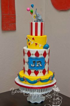 Circus cake by Yuma Couture Cakes Circus Theme Cakes, Carnival Cakes, Themed Cakes, Circus Party, Circus Birthday, Circus Wedding, Birthday Cakes, Circus Circus, Carnival Ideas