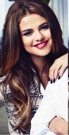 Selena Gomez ; so gorgeous !