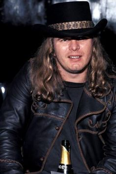 Ronnie Van Zant - one of the greatest frontmen of all-time and an incredibly inspirational figure in Rock N' Roll. He was killed at just 29 years of age in a tragic plane crash in October 1977