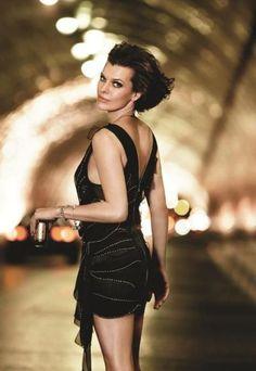 Hommage à Milla Jovovich: Archive Hottest Female Celebrities, Top Celebrities, Gorgeous Eyes, Beautiful Women, Tough Woman, Runaway Bride, Milla Jovovich, Powerful Women, Celebrity Photos