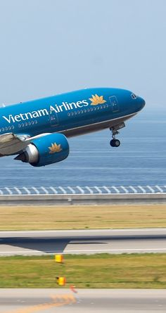 Vietnam Airlines 777-200ER; being phased out and replaced by 787-9 and A350-900XWB, some sold to Austrian Airlines