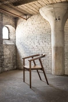 Decon-Thos-Moser-Cumberland-Chair-1