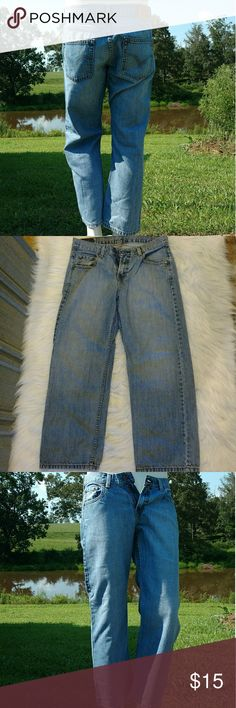 Levi jeans (boys) Levi Strauss Relax Fit 550 Red Tag denim jeans in great condition with no rips stains or tears from a pet and smoke free home. Size 11 Husky WAIST 32 LENGTH 27 Levi Strauss Bottoms Jeans