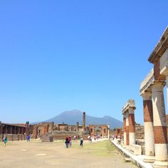 Pompeji - imagine waking up to the sound of that bad boy erupting. #honeymoon