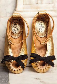 petit maloles en menudoszapatos.blogspot.com I want them for me too