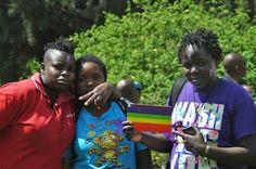 Si no somos africanos, ¿qué somos? El colectivo LGBTI sufre continuas agresiones en Kenia. Activistas y cineastas luchan contra la hipocresía y la brutalidad de la homofobia. Gemma Solés i Coll   El País, 2015-04-21 http://elpais.com/elpais/2015/03/13/planeta_futuro/1426260539_731058.html