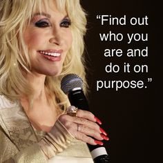 Dolly Parton has advice for college freshmen.