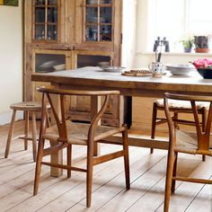 retro rustic  Wegner Y Chairs