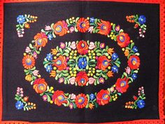 Gorgeous Vintage Handmade Hungarian Matyó Pillow case Pillow Sham Cushion cover on black felt with floral flower roidery Chain Stitch Embroidery, Learn Embroidery, Embroidery Stitches, Embroidery Patterns, Hand Embroidery, Stitch Head, Hungarian Embroidery, Pillow Shams, Pillow Cases