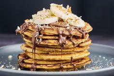 Lækre og sunde amerikanske pandekager lavet på havregryn - Få vores opskrift her Waffles, Pancakes, Yummy Eats, Bread, Fest, Breakfast, Desserts, Hygge, Morning Coffee
