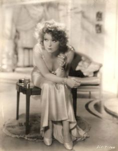 Clara Bow with cigarette, Call Her Savage Old Hollywood Stars, Old Hollywood Glamour, Vintage Glamour, Vintage Hollywood, Vintage Beauty, Classic Hollywood, Vintage Ladies, Silent Film Stars, Movie Stars