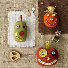 Pumpkin Pincusion Craft...lots of pumpkin ideas  http://www.bhg.com/crafts/sewing/accessories/cute-pumpkin-pincushions/