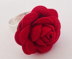 Anillo flor de ondulina / Ric Rac ribbon Flower ring