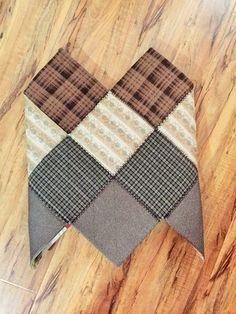 16조각 가방 만들어 보셨나요 : 네이버 블로그 Bodice Pattern, Family Crafts, Quilted Bag, Quilt Blocks, Diy And Crafts, Patches, Pouch, Quilts, Blanket