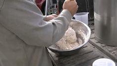 Rețeta unei vopsele scandinave din ingrediente naturale, care nu trebuie reînnoită pe parcursul multor ani! - Pentru Ea Icing, Ice Cream, Desserts, Food, No Churn Ice Cream, Tailgate Desserts, Deserts, Icecream Craft, Essen