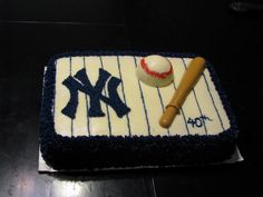 Yankees Cake by CuffCakes. Atlanta's Best Cakes and Cupcakes. www.cuffcakesatl.com Baseball Birthday, 8th Birthday, Birthday Cake, Birthday Ideas, Baseball Field Cake, Yankee Cake, Cake Designs, Cupcake Cakes, Pastries