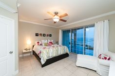 Williams² Cayman Islands Real Estate - EMERALD BEACH SOUTH SOUND