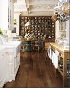 Shelves.....ahh!