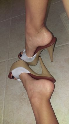 Woiden Mules and great feet