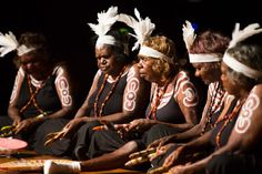 GALLERY: A rare music exchange unites Indigenous cultures from Australia and China Aboriginal History, Aboriginal Culture, Aboriginal People, Visit Australia, Australia Travel, People Around The World, Around The Worlds, Scuba Diving Australia, Visit China