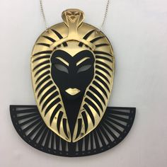 Wearable art for the fearless Cleopatra, Akira, Wearable Art, Handcrafted Jewelry, Jewelry Crafts, Jewellery, Handmade Chain Jewelry, Handmade Jewelry, Jewels