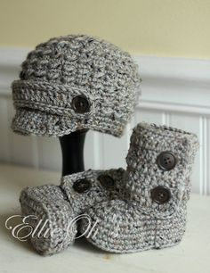 EllieOh's Newborn Gift Set cozy booties and newsboy by EllieOhs, $25.00
