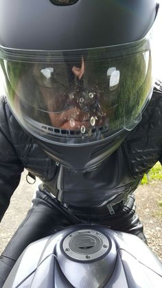 Motorcycle Suit, Biker Gear, Hot Guys, Tights, Black Leather, Om, Jacket, Motorcycle Outfit, Navy Tights